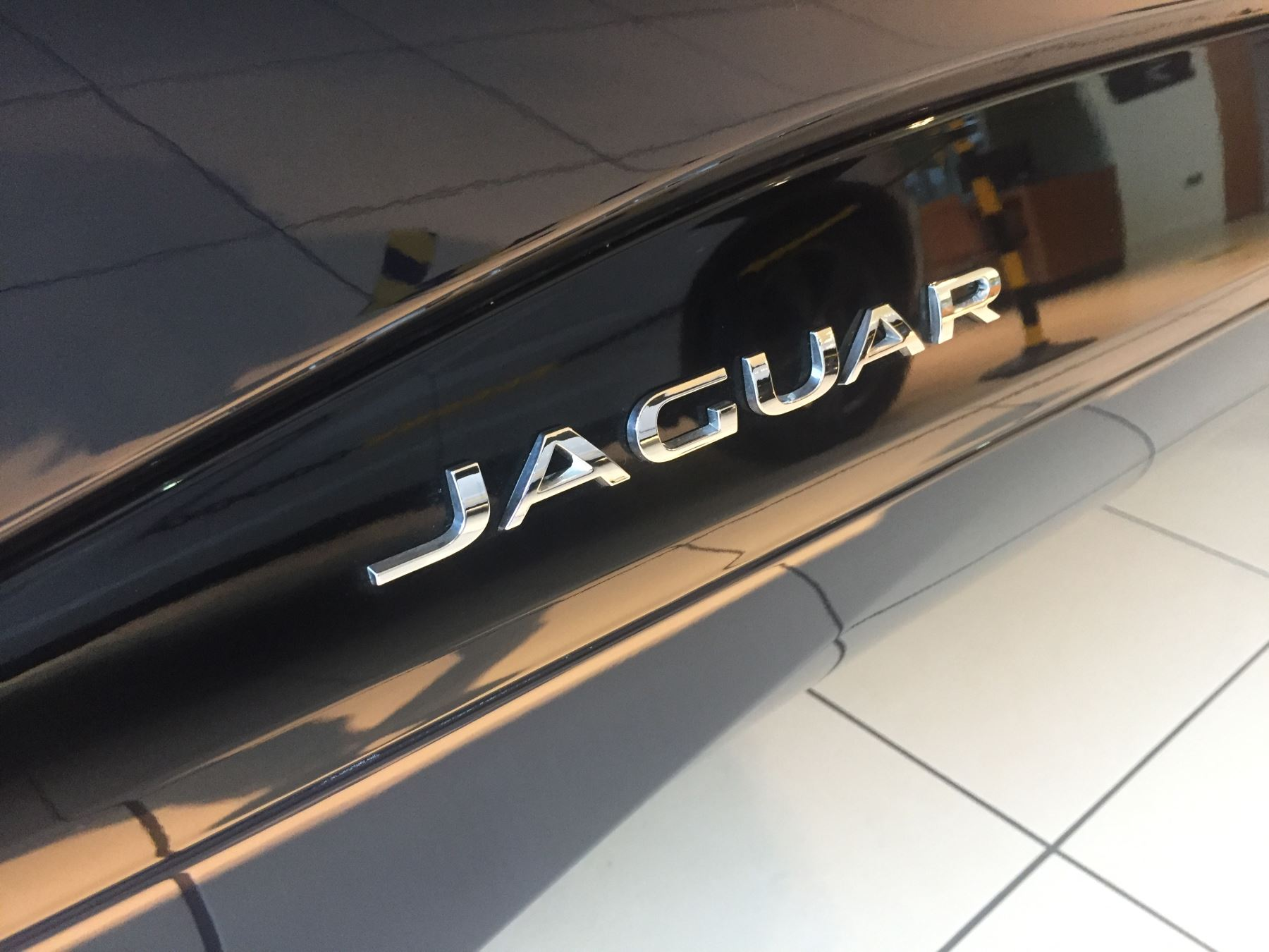 Jaguar I-PACE 90kWh EV400 SE image 12